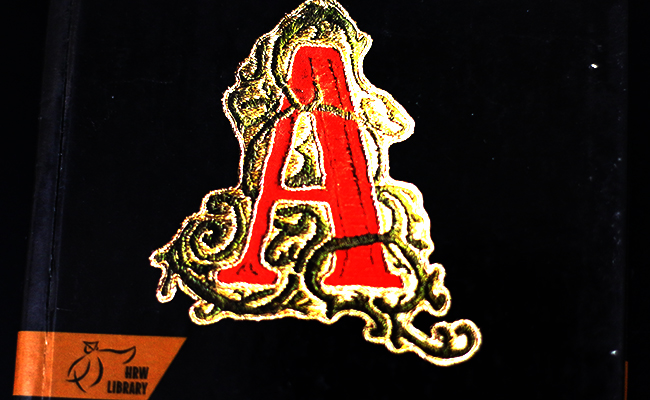 the symbolic things that the author used in the scarlet letter The novel scarlet letter was the opposite and in this the author clearly and effectively used symbolism in pearls case scarlet letter and symbolism.